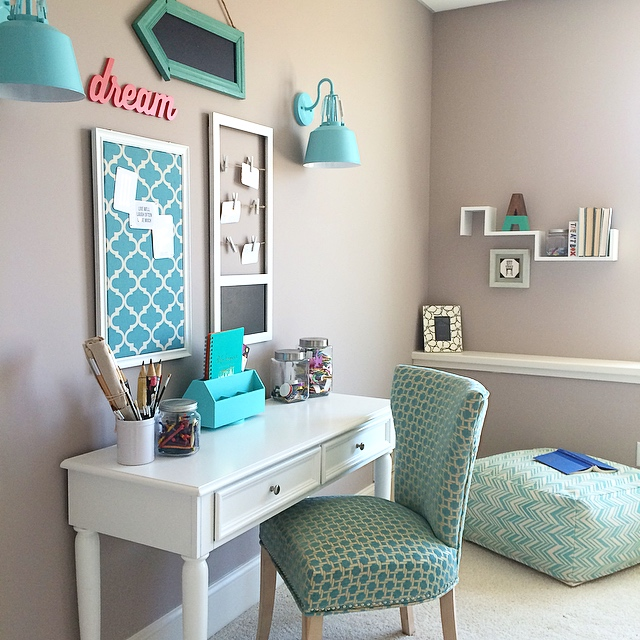 Teen craft/desk with turquoise accents by MemeHill.com