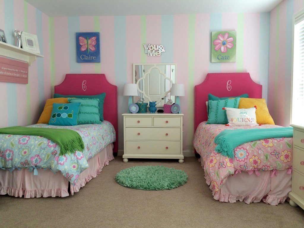 Twin Girls Room Makeover with MemeHill.com