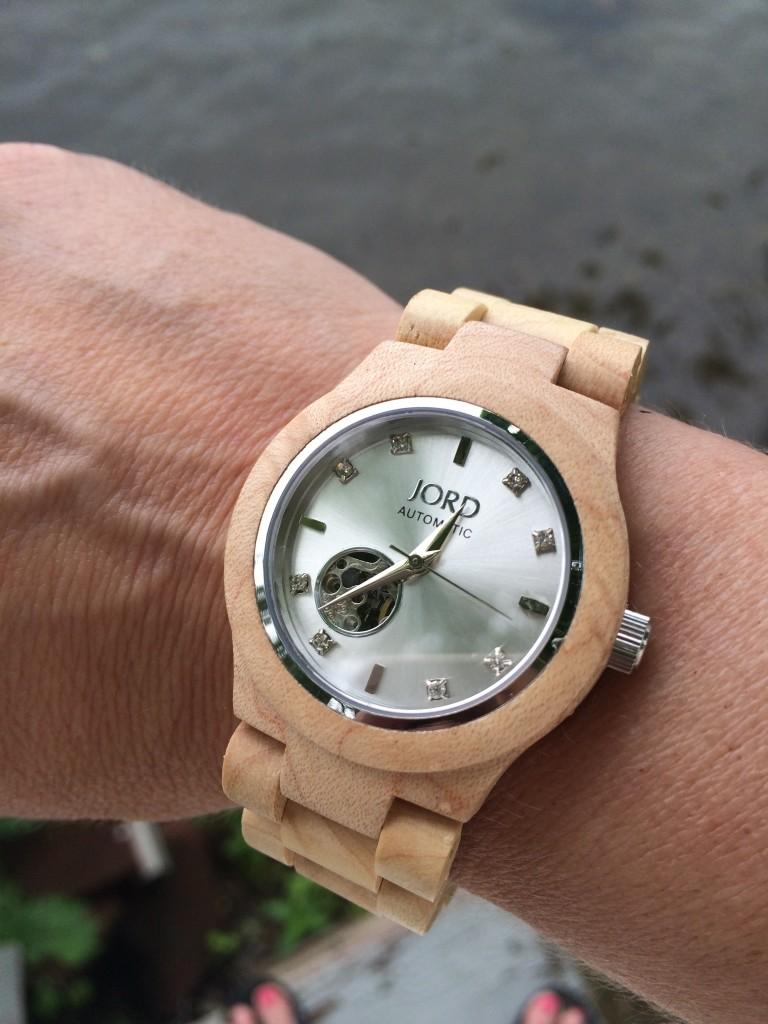JORD wood watch with MemeHill.com