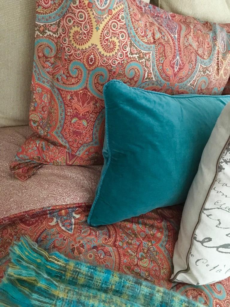 fall_home_tour_traditonal_decor-_bedroom_ideas_bedding_turquoise_ralph_lauren
