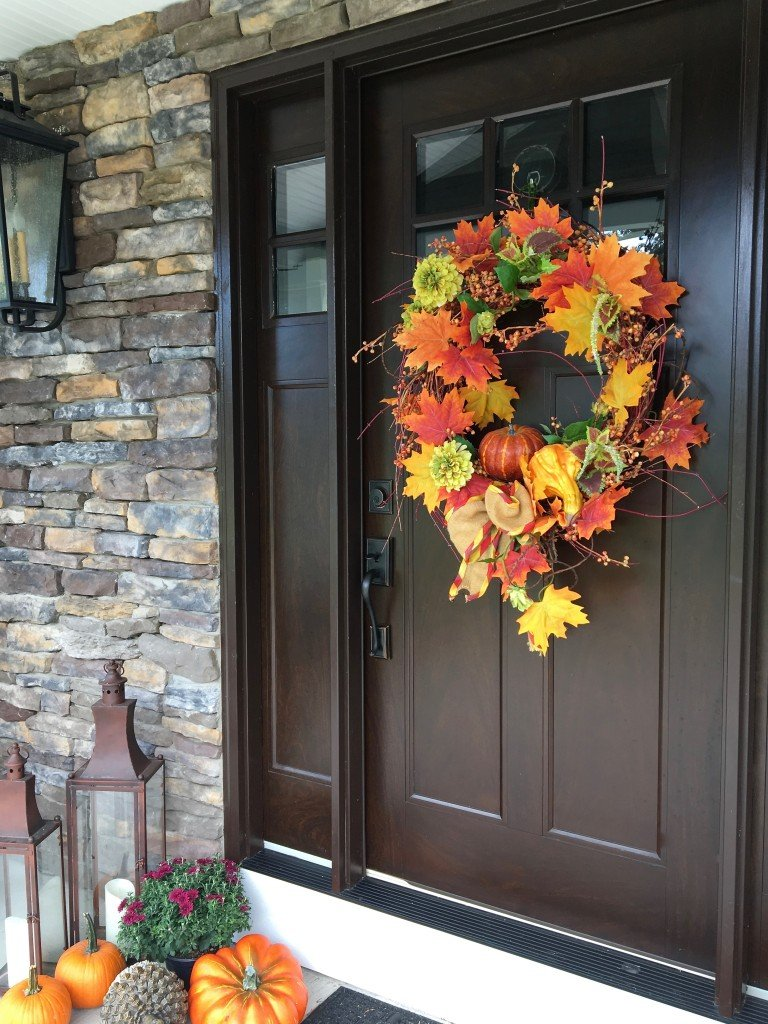 fall_home_tour_traditonal_decor-_home_bar_cart_planter_ideas_entertaining_harvest_pumpkins_sunflowers_front_door_wreath_outdoor