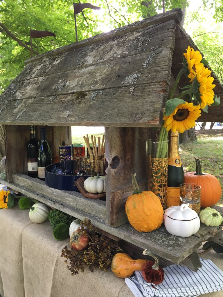 fall_home_tour_traditonal_decor-_home_bar_cart_planter_ideas_entertaining_harvest_pumpkins_sunflowers_wine_bar_party