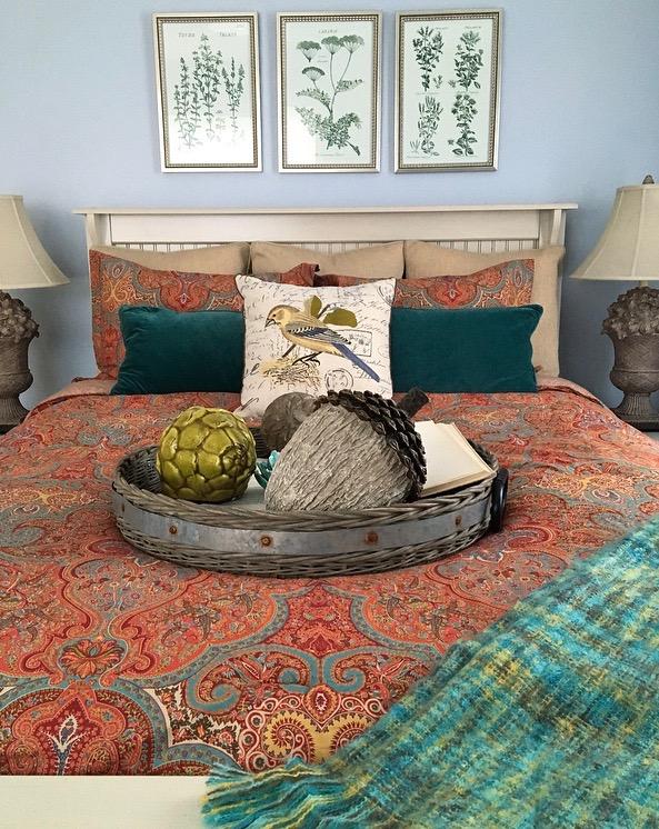 fall_home_tour_traditonal_decor-_home_bedroom_ideas_ralph_lauren_bedding_paisley