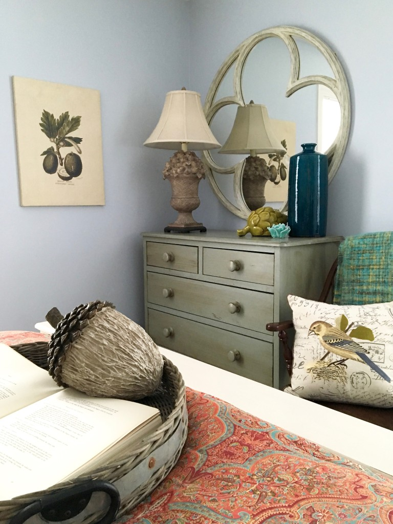 fall_home_tour_traditonal_decor-_home_bedroom_ideas_ralph_lauren_bedding_paisley_mirror