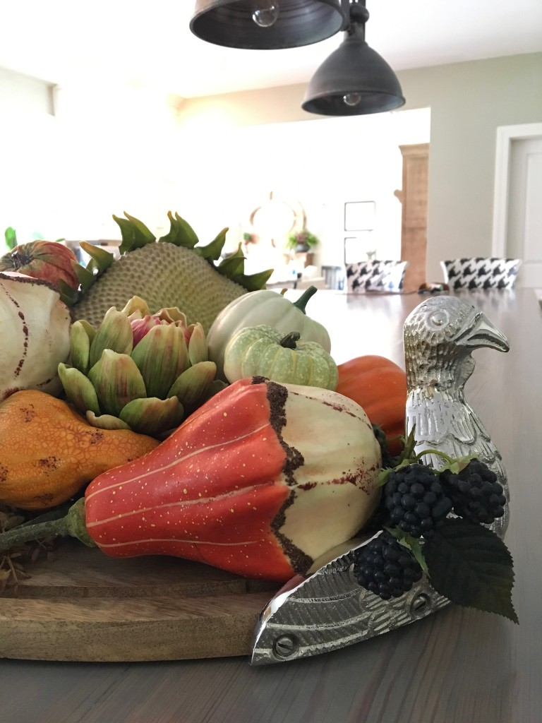 fall_home_tour_traditonal_decor-_home_kitchen_ideas_harvest_fruit_sunflowers_turkey_platter