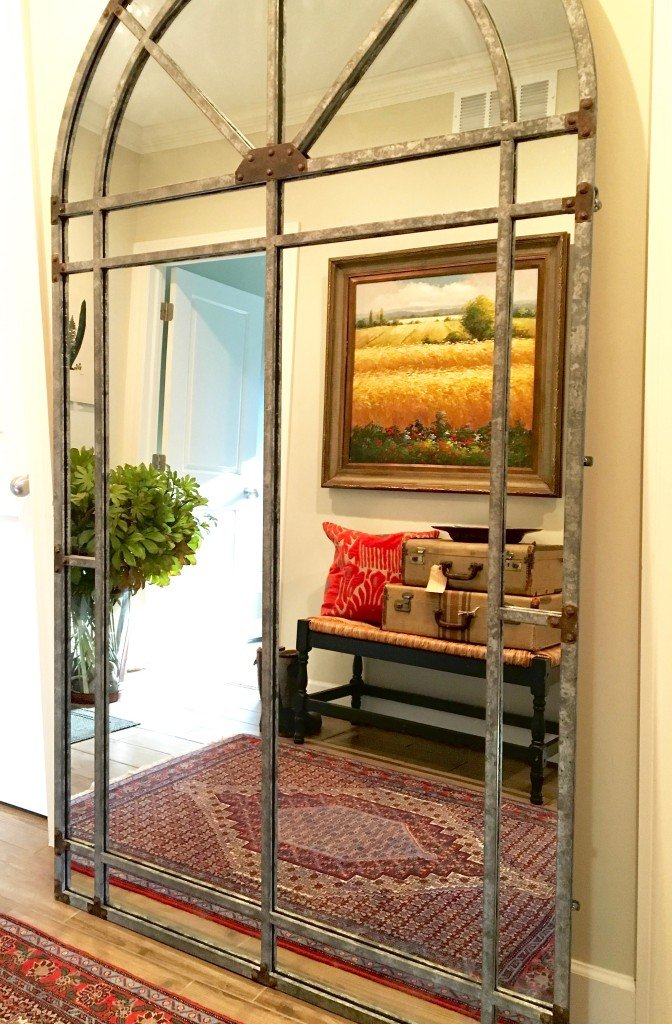 fall_home_tour_traditonal_decor-_mudroom_ideas_mirror_bench