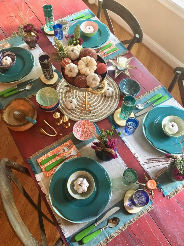 thanksgiving_friendsgiving_setting_the_table_boho_chic_gold_wishbone_glasses_world_anthropologie_market_pumpkin