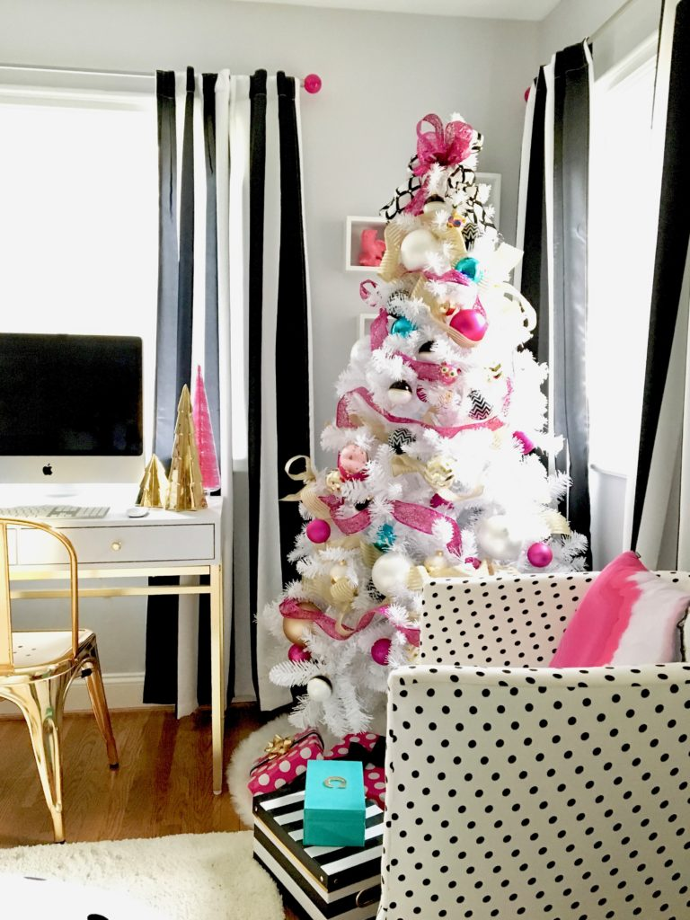 meme-hill-black-white-christmas-tree-teen-room-pink-ornaments-raymour-flanigan-elio-gold-desk-polka-dots