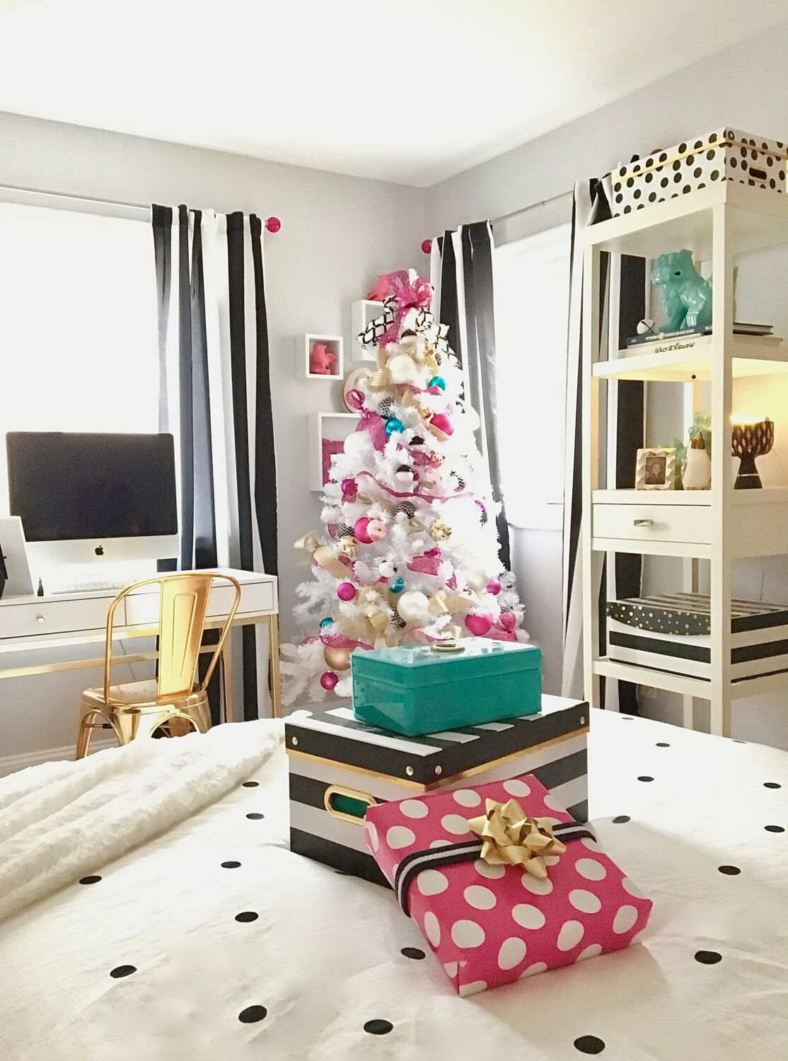 Black, White, Gold and Hot Pink Christmas Teen Room