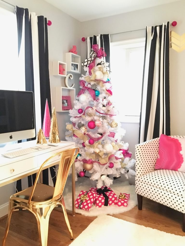meme-hill-black-white-christmas-tree-teen-room-pink-ornaments-raymour-flanigan-gold-desk-polka-dots-girls