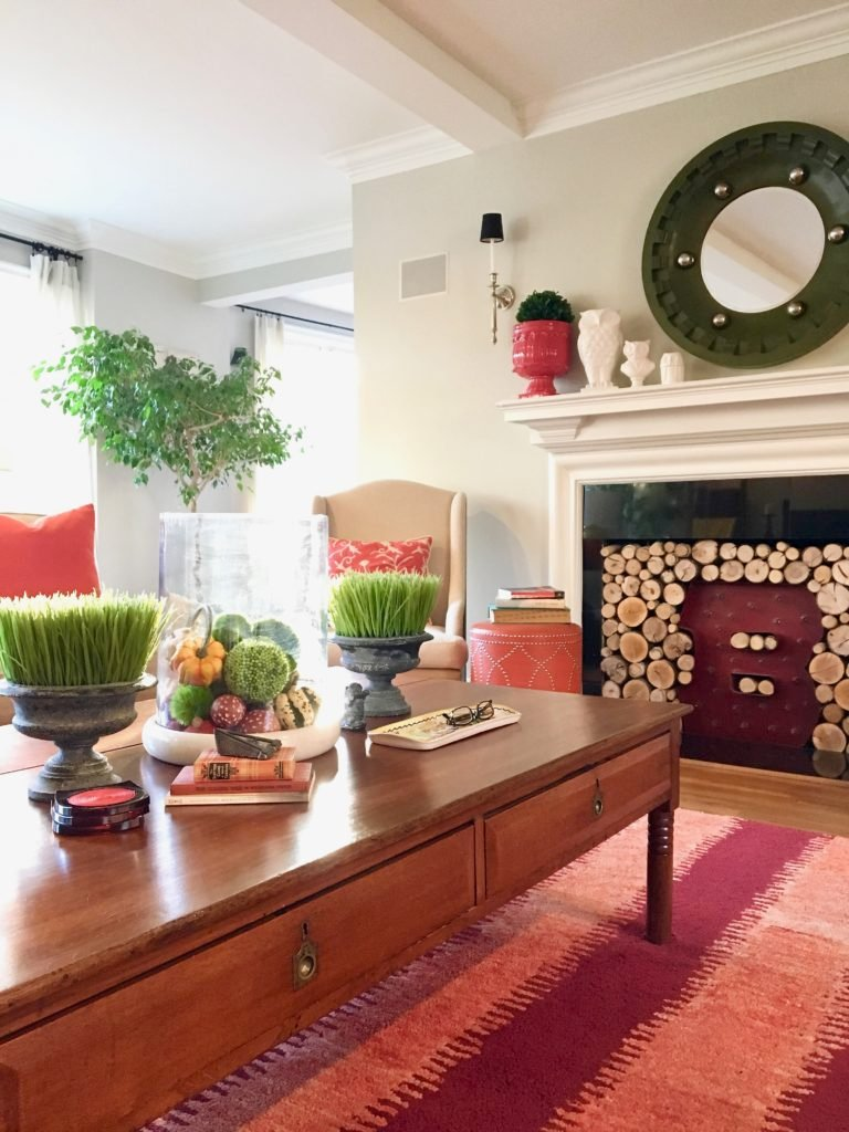 styling-the-perfect-fall-coffee-table-home-decor-blogger-tips-tricks-centerpiece-vintage-antique-library-table-fireplace