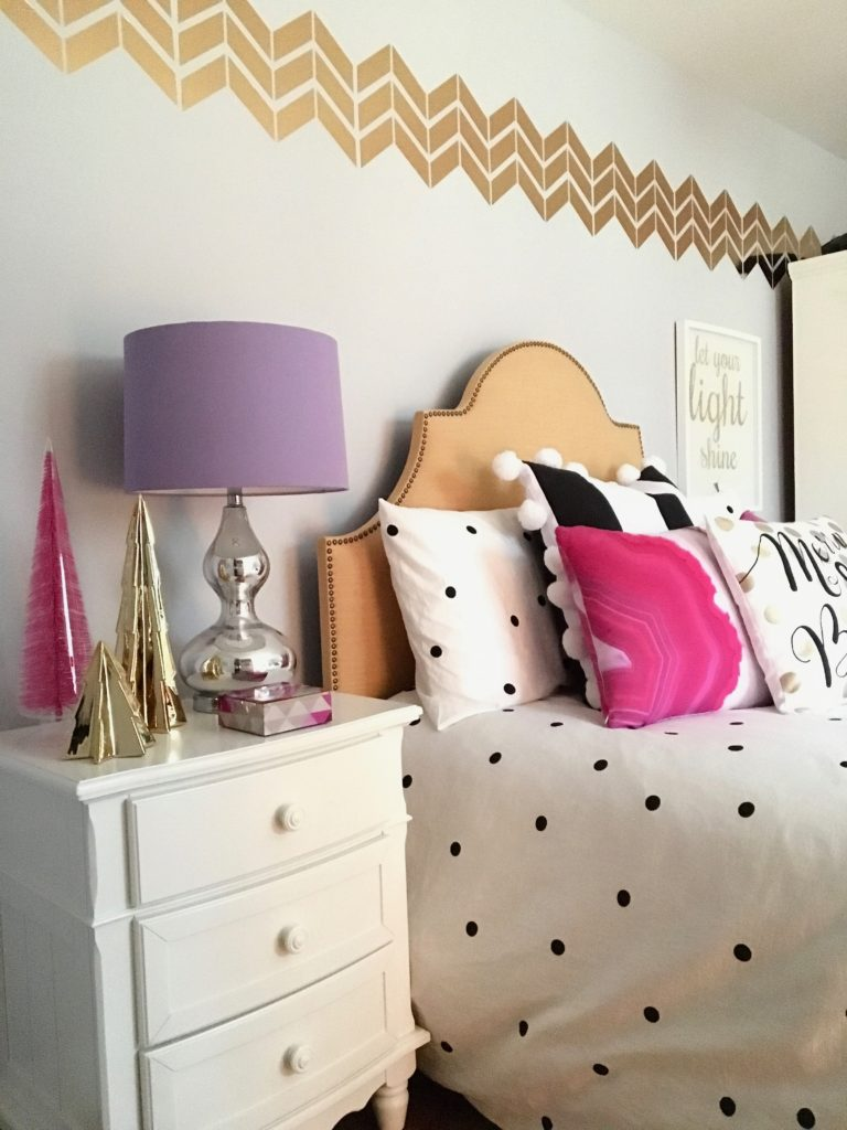 meme-hill-black-white-christmas-tree-teen-room-pink-ornaments-raymour-flanigan-elio-gold-desk-polka-dots-hawthorne-bed-pom-pom-pillow