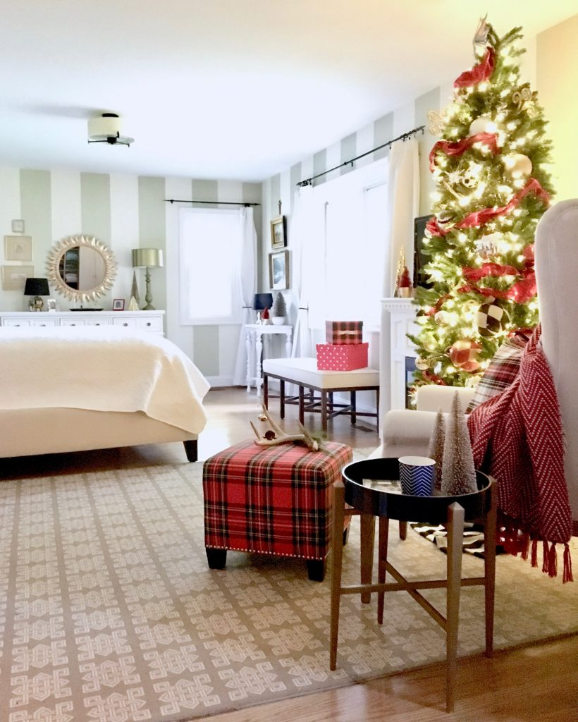 christmas-decorating-ideas-master-bedroom-homegoods-plaid-tree-cozy