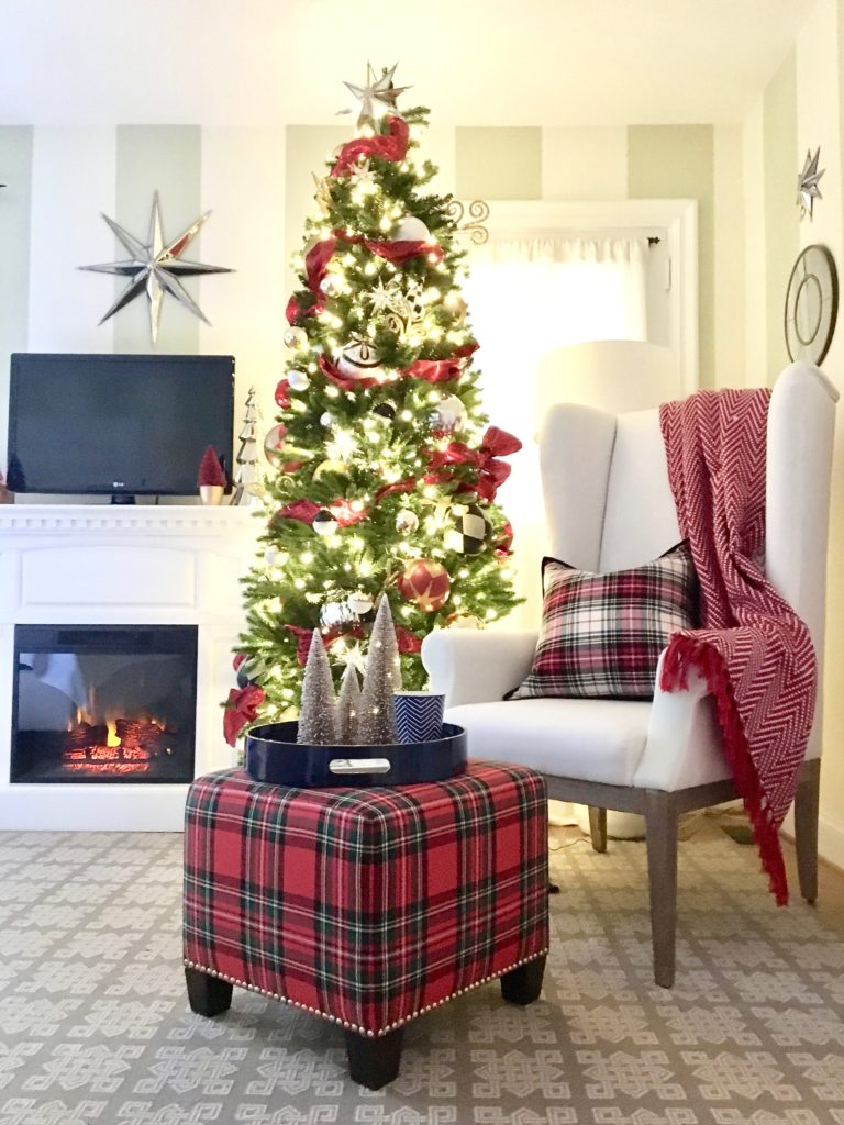 christmas-decorating-ideas-master-bedroom-homegoods-plaid-tree-cozy-star-blanket