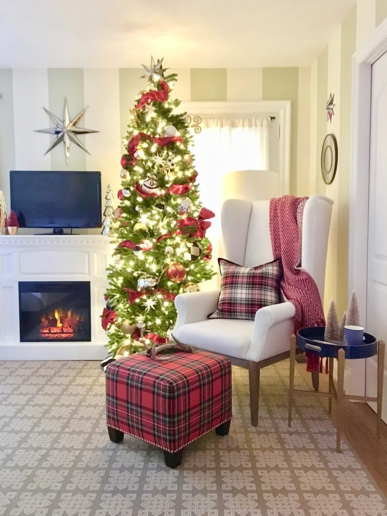 christmas-decorating-ideas-master-bedroom-homegoods-plaid-tree-cozy-star-mirror