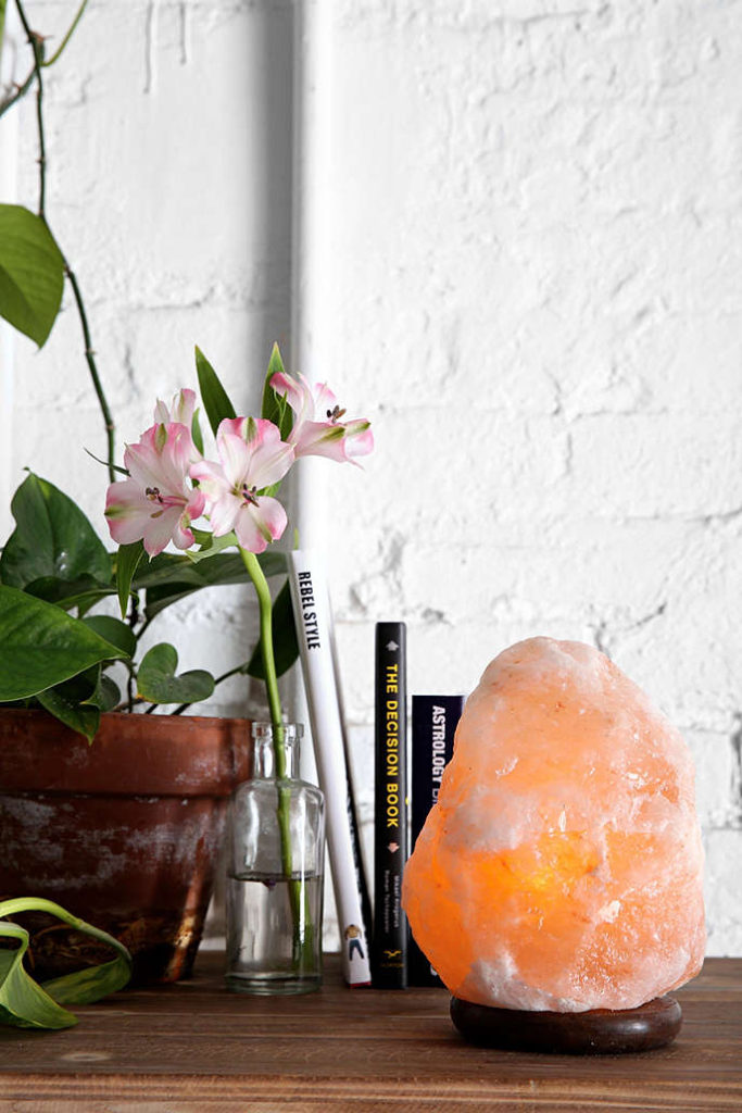 himalayan-sea-salt-lamp-lighting-trends-boho-chic-bohemian-health