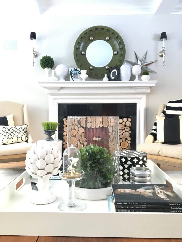 livingroom-black-white-clean-fireplace-mantel-decor-decorating-ideas-bright-interior-design-coffee-table-tray-vignette
