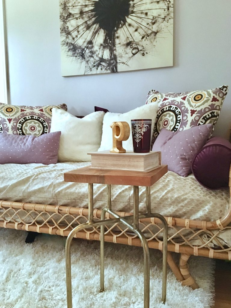 patterned-accent-pillows-purple-daybed-serena-lily-boho-chic-bohemian-global-bedroom