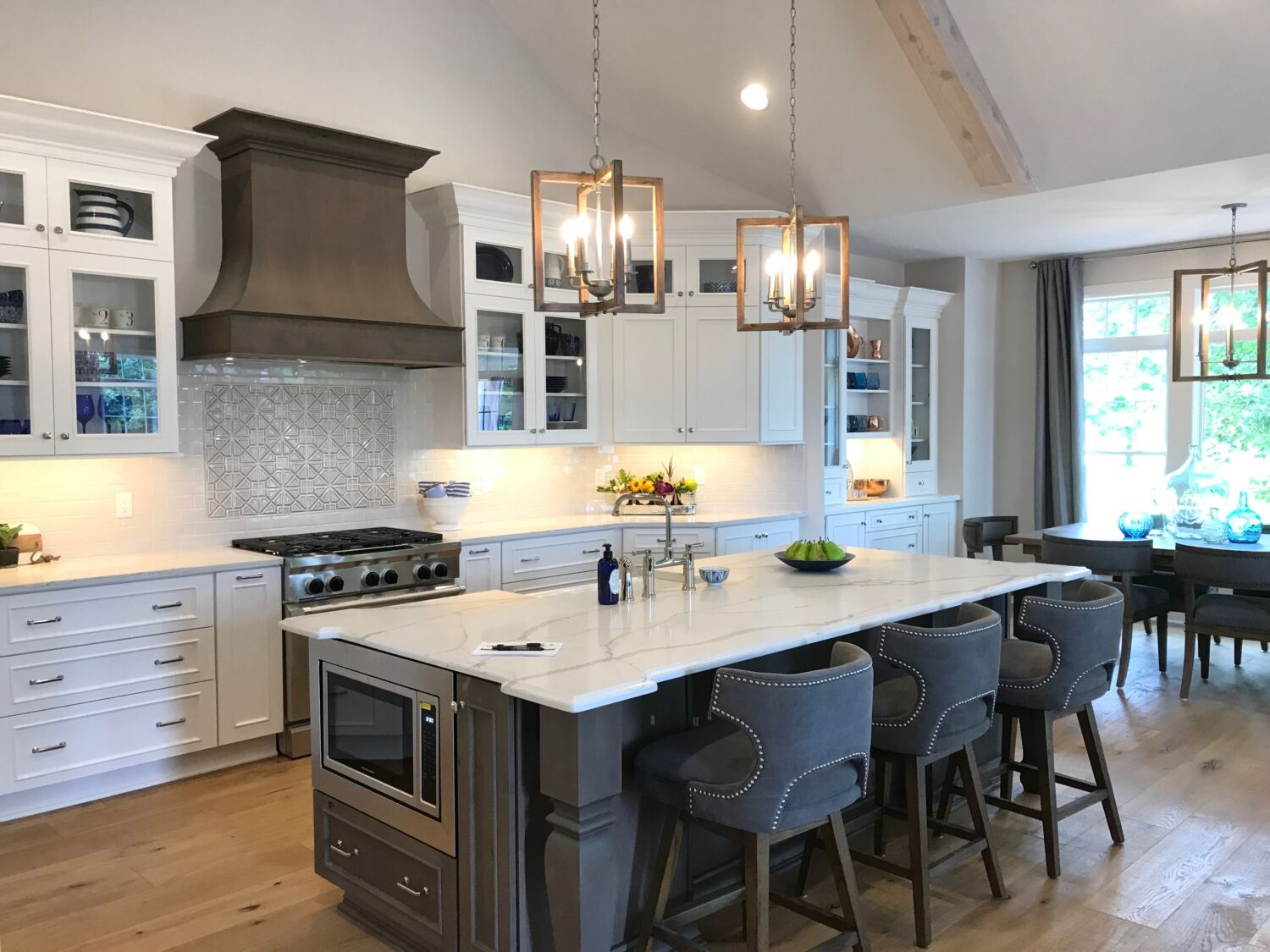 Meme_Hill_Amie_Freling_Raymour_Flanigan_counter_stool_white_kitchen_hamptons_chic_interior_design_Kitchen_Copper_rustic_modern_gorgeous_stunning