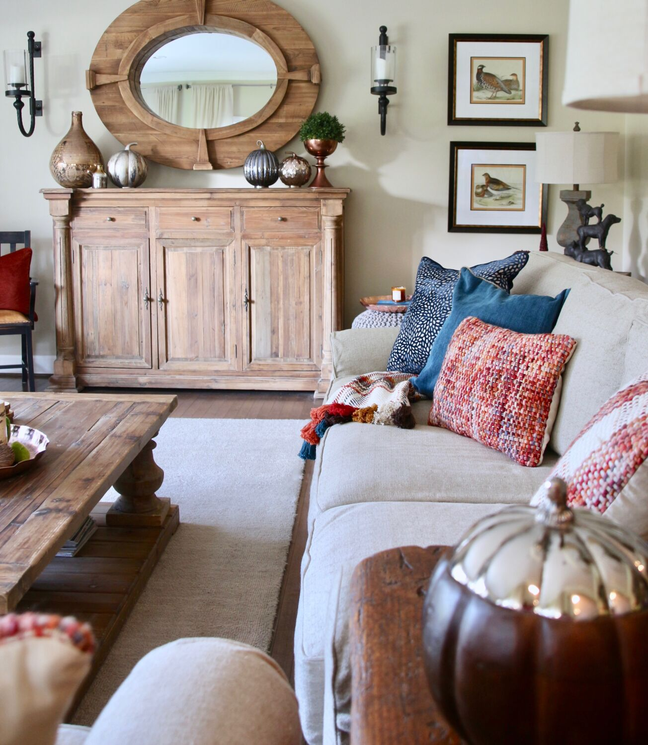 Fall_Blogger_home_tour_living_room_neutral_decor_autumn_colors_meme_hill_Amie_freling_HomeGoods_copper_tray_sideboard