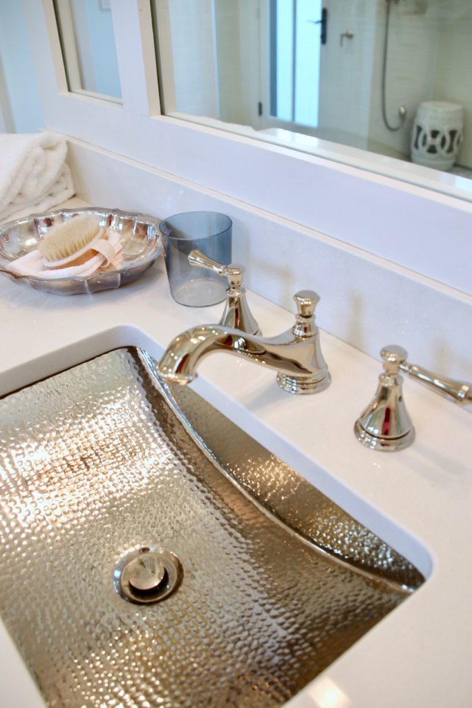 Southern _living_Idea_House_2017_Delta_faucet_bald_head_island_Meme_hill_Master_bathroom_faucet_Cassidy_two_handle_Chrome_polished_nickel_hammered_sink