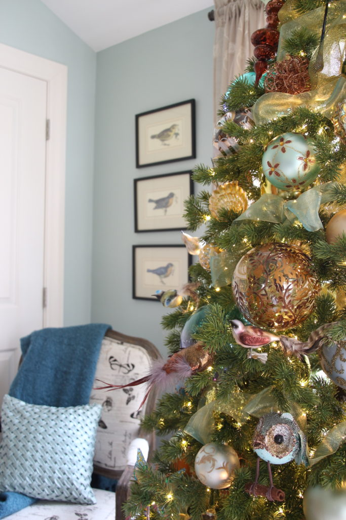 Christmas_bedroom_gorgeous_Turquoise_Makeover_bedding_bonTon_Laura_ashley_Meme_hill_Amie_freling_Tree_Wisteria_bird_glass_ornaments