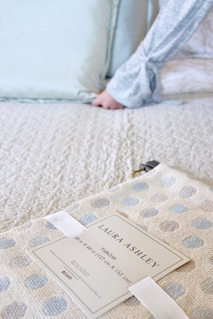 Christmas_bedroom_gorgeous_Turquoise_Makeover_bedding_bonTon_Laura_ashley_Meme_hill_Amie_freling_polka_dot_throw_blanket_soft