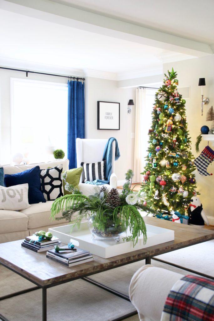 Christmas_blogger_home_tour_meme_hill_studio_light