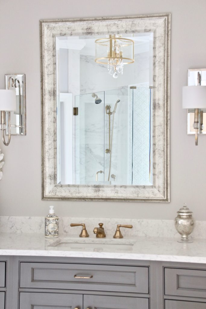 Meme_HIll_studio_amie_Freling_Concept_2_Bathroom_White_glam_Gray