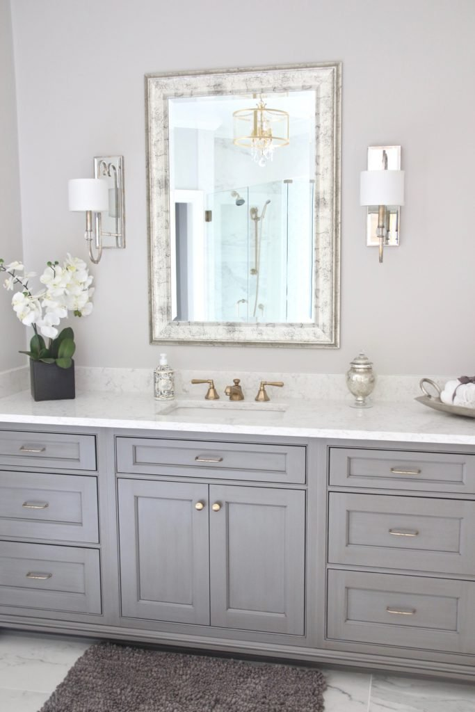 Meme_HIll_studio_amie_Freling_Concept_2_Bathroom_White_glam_Gray_gold_chandelier