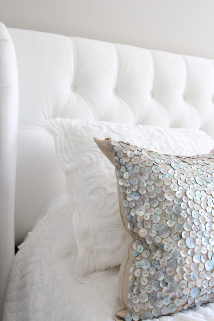 Meme_HIll_studio_amie_Freling_Raymour_flanigan_White_glam_bedroom_gorgeous_Thayer_upolstered_bed_tufted_headboard_velvet