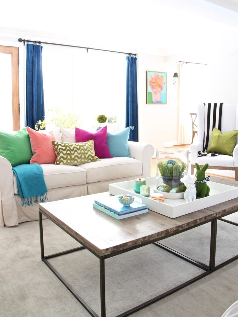 Meme_HIll_Studio_Amie_freling_easter_decorating_livingroom_colorful_ideas_pillows_homeGoods_coffee_table_styling_spring