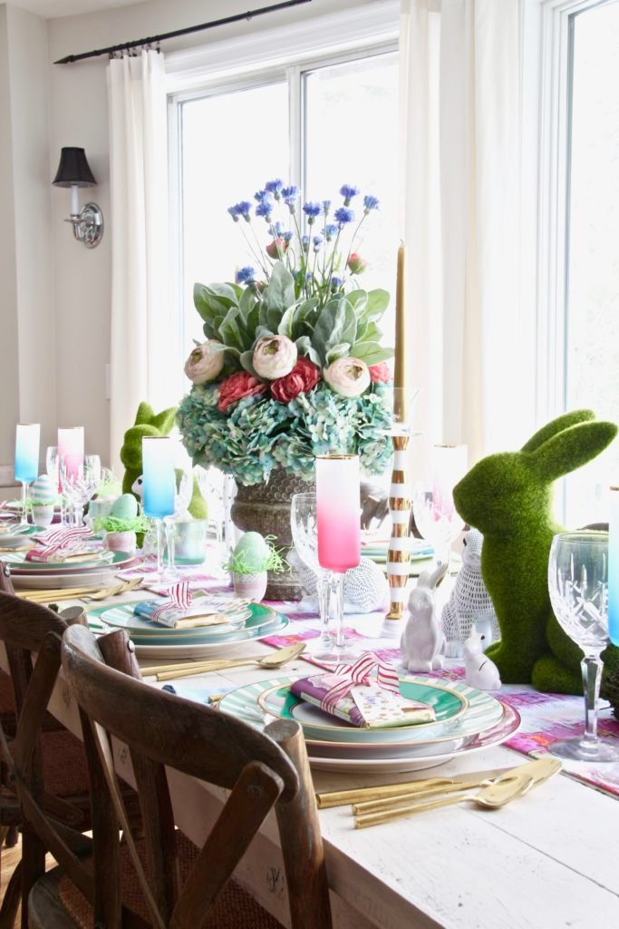 Meme_Hill_AMie_freling_centerpiece_flower_floral_Easter_decorarting_ideas_setting_table_homegoods_colorful_easy_tips_farmhouse_bunny_eggs_bright_brunch
