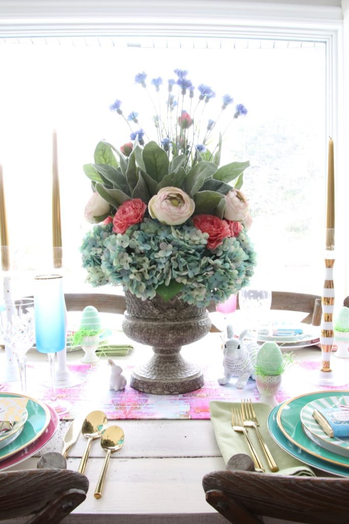 Meme_Hill_AMie_freling_centerpiece_flower_floral_Easter_decorarting_ideas_setting_table_homegoods_colorful_easy_tips_farmhouse_bunny_eggs_bright_wisteria