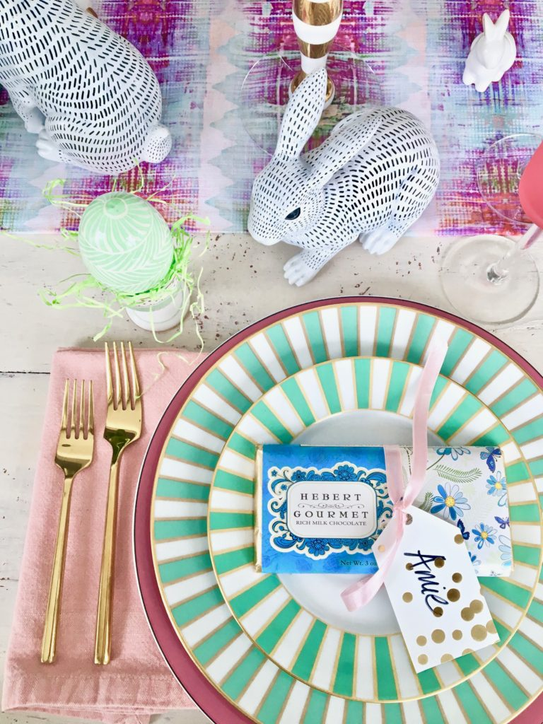 Meme_Hill_AMie_freling_centerpiece_flower_floral_Easter_decorarting_ideas_setting_table_homegoods_colorful_easy_tips_farmhouse_eggs_bunny