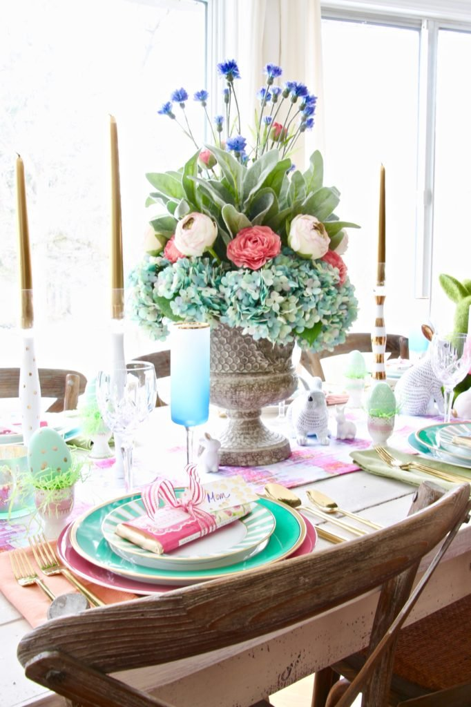 Meme_Hill_AMie_freling_centerpiece_flower_floral_Easter_decorarting_ideas_setting_table_homegoods_colorful_easy_tips_farmhousehydrangea_wisteria_flowers