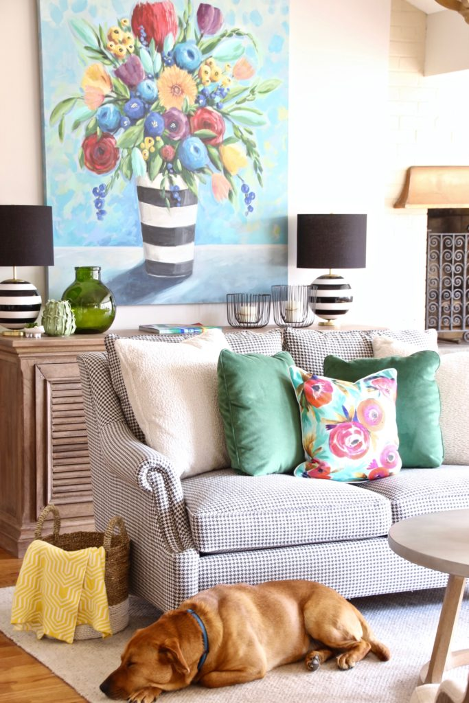 Colorful_jumpstart_Spring_kitchen_Meme_Hill_Studio_Amie_Freling_Raymour_flanigan_black_Houndstooth_Flowers_painting_White_kate_spade_Chatwick