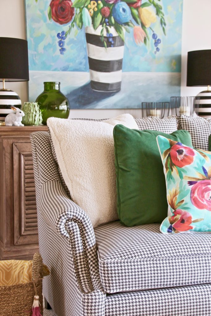 Colorful_jumpstart_Spring_kitchen_Meme_Hill_Studio_Amie_Freling_Raymour_flanigan_black_Houndstooth_Flowers_painting_White_kate_spade_chatwick_nailhead