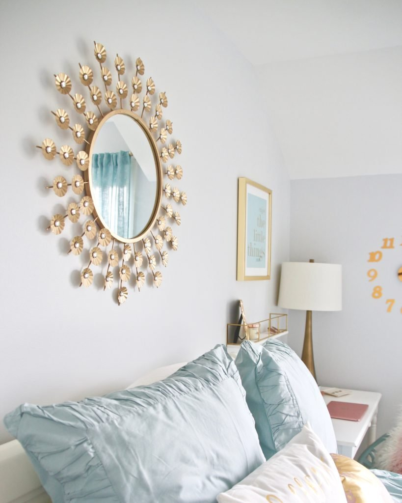 Designing_Teen_room_to_Last_white_furniture_makeover_bedroom_MemeHIll_studio_amie_freling_decorating_ideas_gold_glam_art