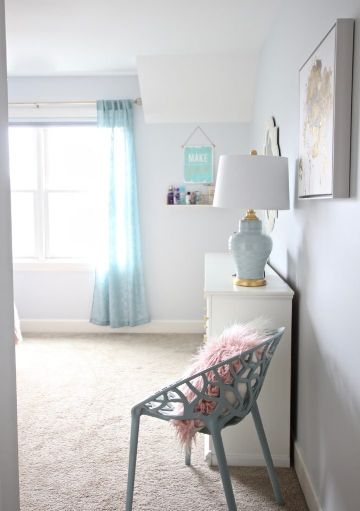 Designing_Teen_room_to_Last_white_furniture_makeover_bedroom_MemeHIll_studio_amie_freling_decorating_ideas_lighting_turquoise_pink_gold_curtains