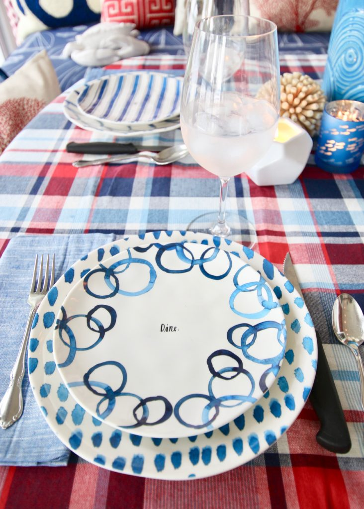 Meme_HIll_Studio_Amie_Freling_Summer_Lake_House_Blogger_Home_Tour_Cottage_Living_Coastal_decor_Rae_dunn_dinnerware_plates_melamine
