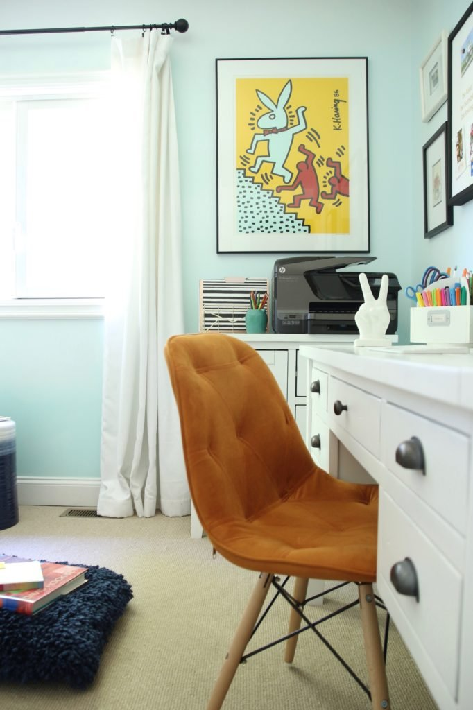 mid century modern orange leather chair, raymour and flanigan chair, leather desk chair, orange chairs