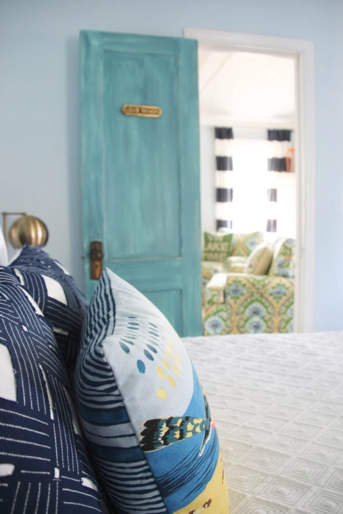 small cottage ideas, accent pillows for a lakehouse using navy and turquoise nautical decor