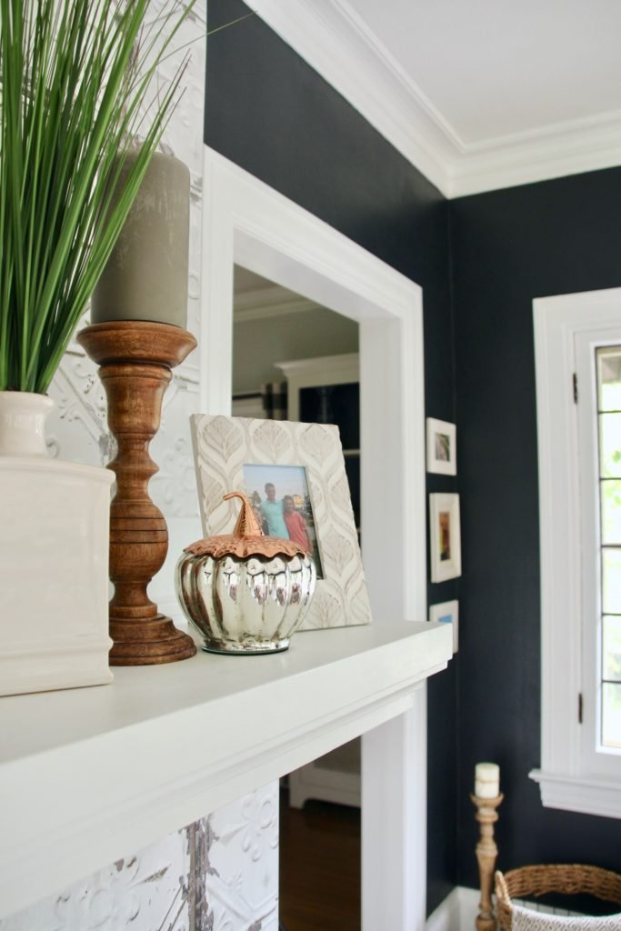 painting walls black, good black wall paint colors, sherwin Williams tricorn black , black all colors