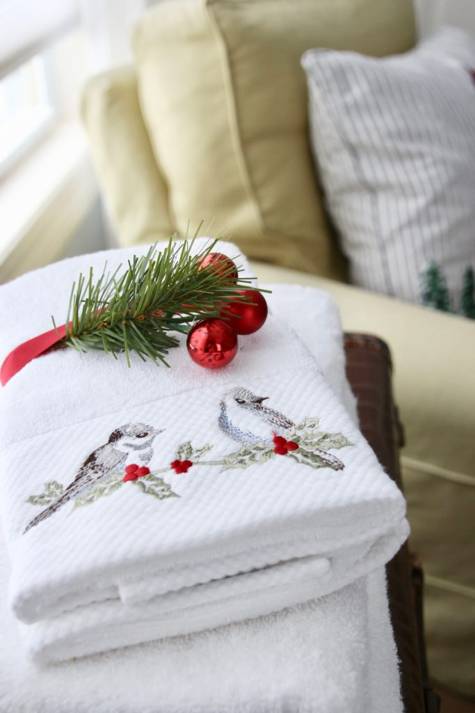 , luxury gift baskets, christmas decorating ideas, bedroom decor, guest towels, Christmas towels
