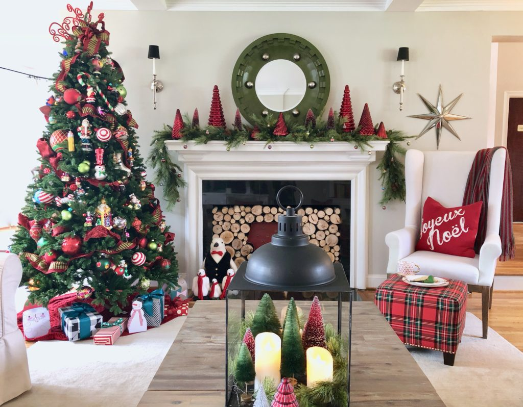 christmas living room decor, decorating with red, pretty fireplace mantels