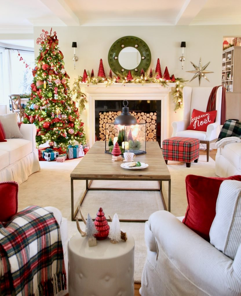 Home Goods Decorating Ideas: Living Room Ideas For Christmas, Old Ladder With Blankets
