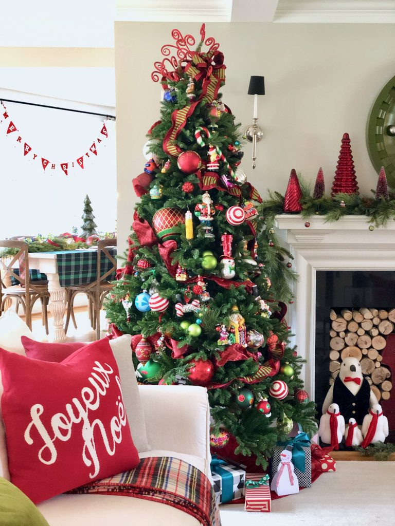 pretty living rooms, christmas decorating ideas, reed christmas pillows, fireplace mantels