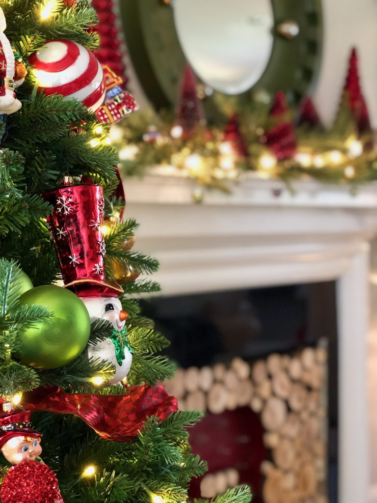 pretty living rooms, christmas decorating ideas, christopher radko ornaments, snowman