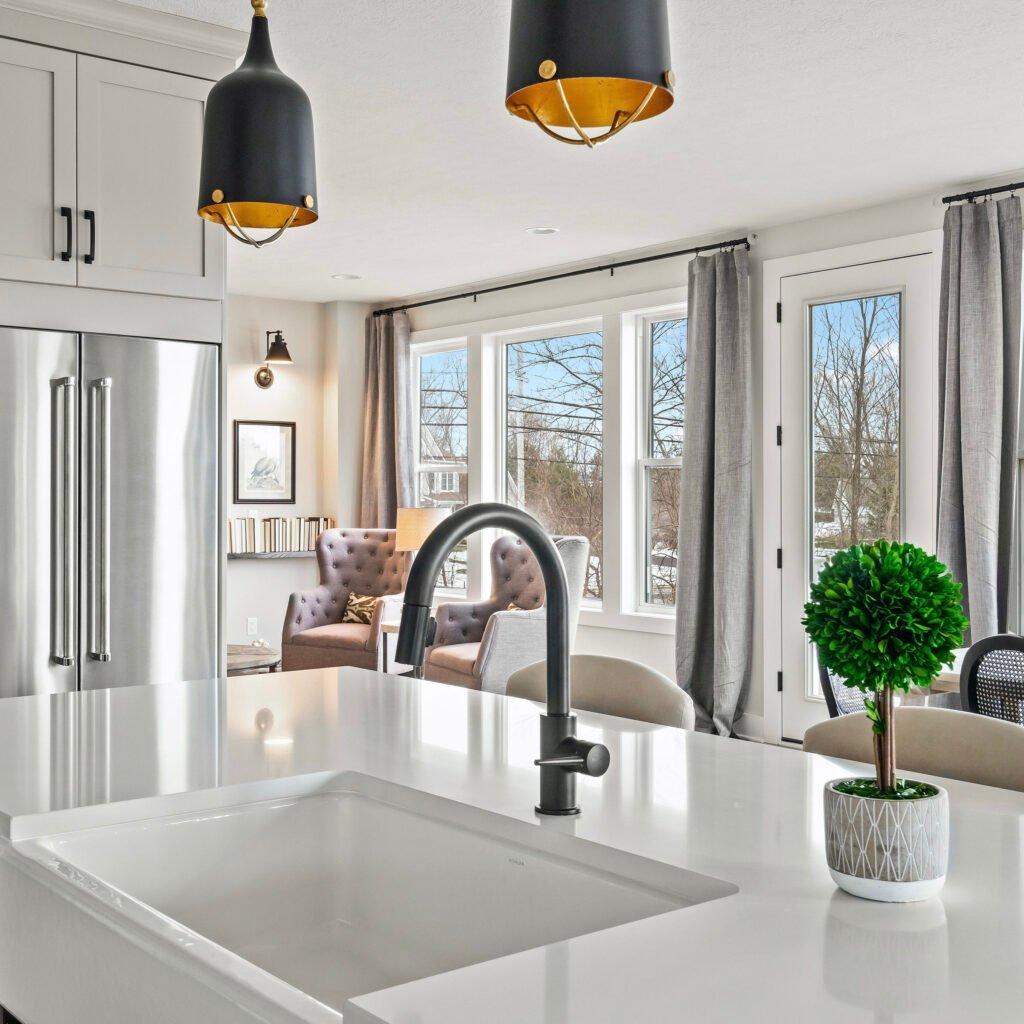 white Kohler farmhouse apron sink modern farmhouse style sinks